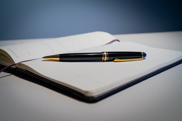 Best Ballpoint Pens Under 200